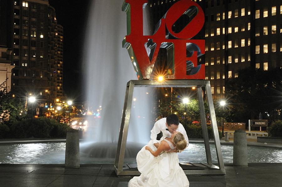 LOVE Park Philadelphia Wedding Photo